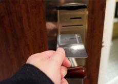 カードキー開錠